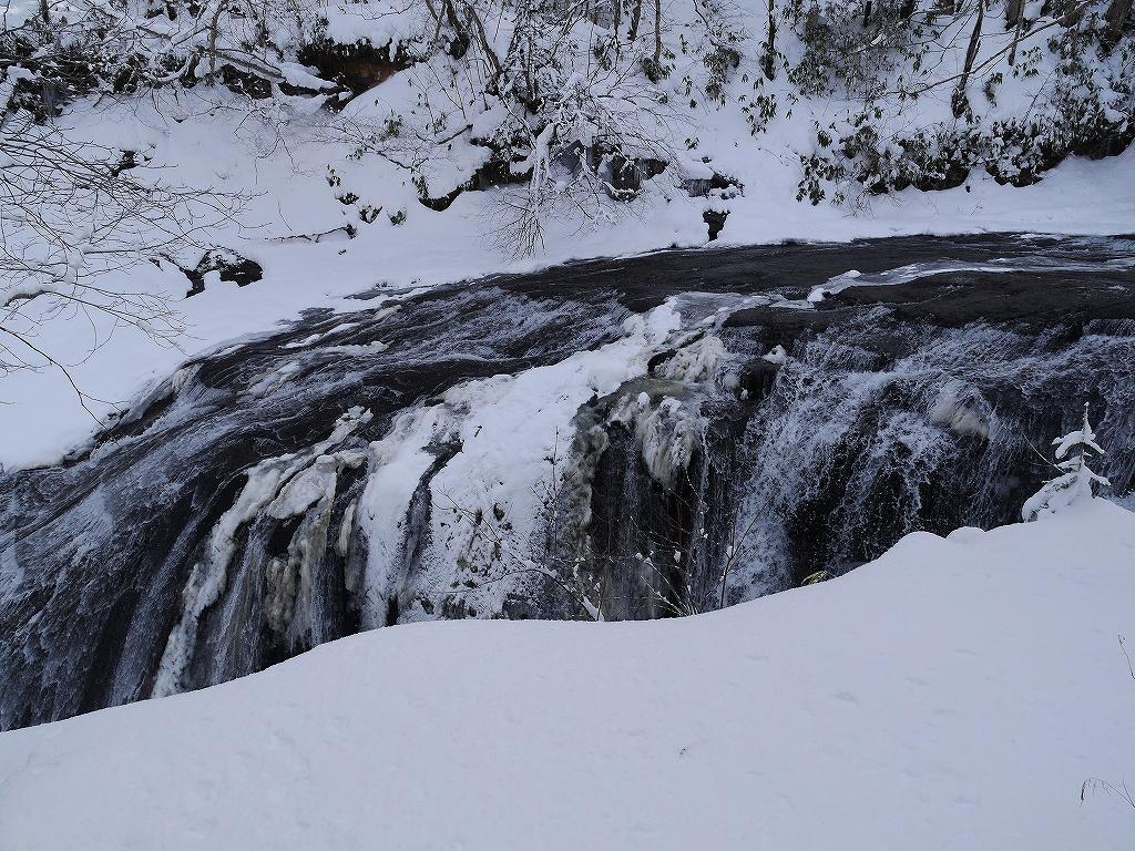 ラルマナイの滝と白扇の滝_f0138096_1792195.jpg