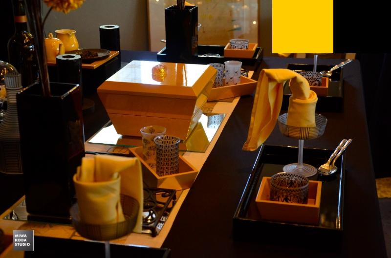 January 28, 2014 色のマジック:黄色と黒のコンビネーション Yellow & Black_a0307186_13173087.jpg