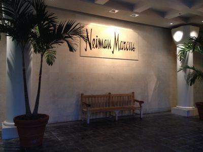 13〜14年末年始ハワイ 2★まずはニーマンマーカス_d0285416_191044.jpg