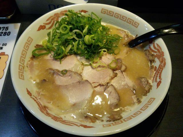 チャーシュー麺@ラーメン山_a0117520_233128.jpg