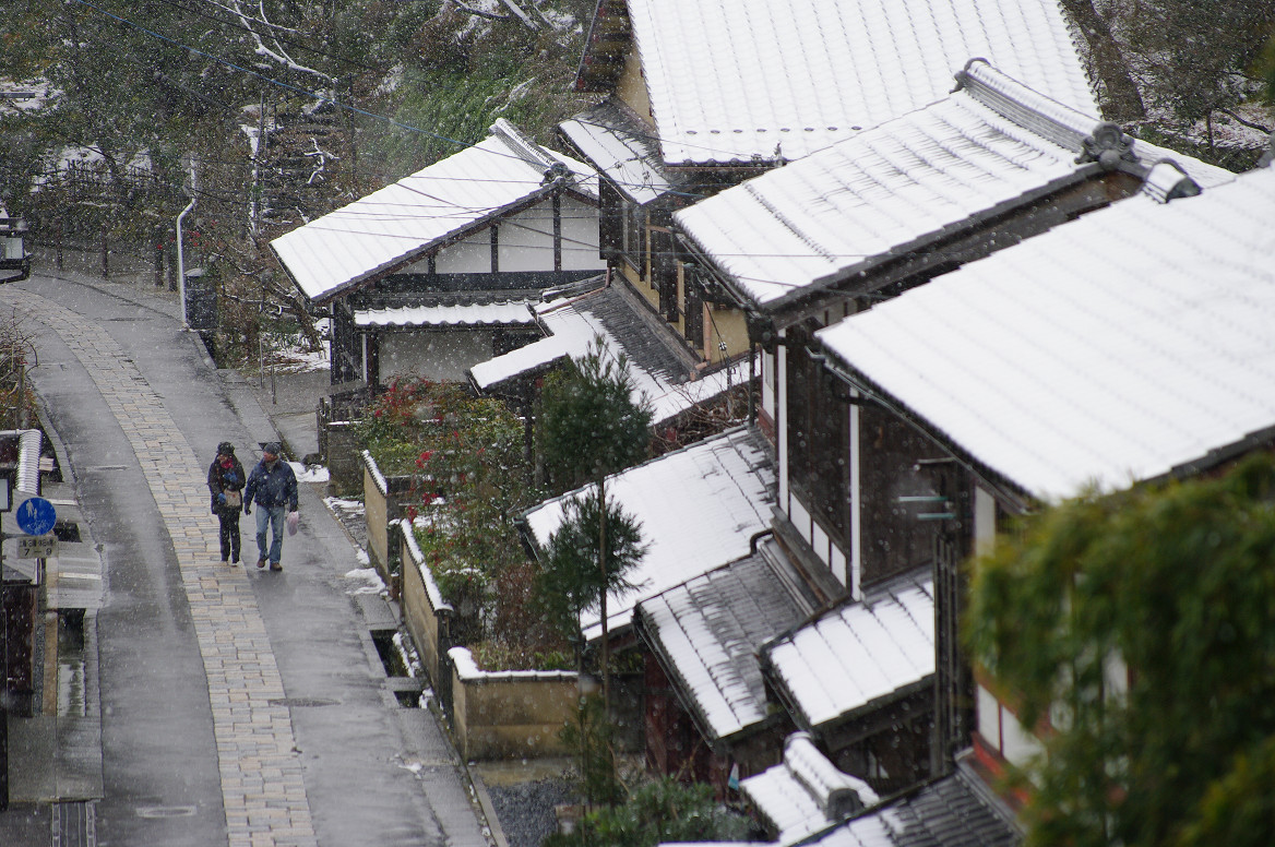雪の鳥居本..._f0152550_23202190.jpg