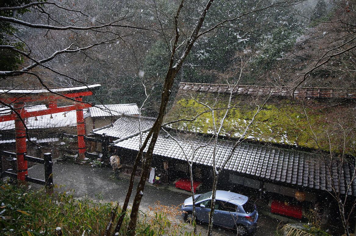 雪の鳥居本..._f0152550_23215241.jpg