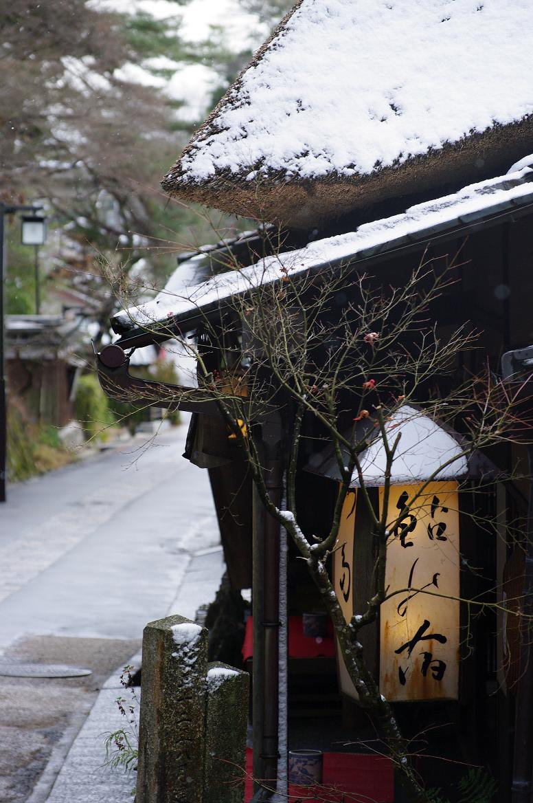 雪の鳥居本..._f0152550_23234669.jpg