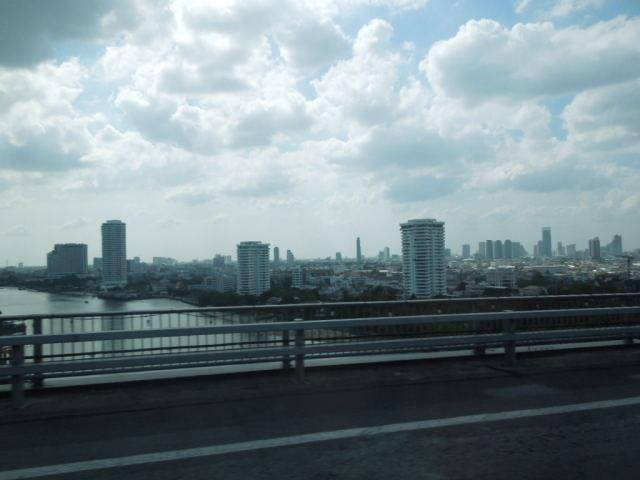 タイとイ課長の間にあったこと その2_f0189467_00111438.jpg