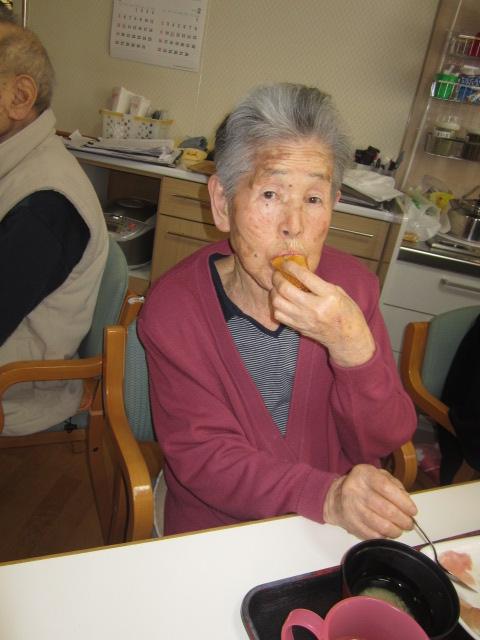 「みんなで昼食会~お寿司バイキング~」_e0191174_201029.jpg