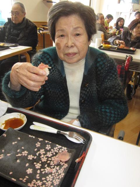 「みんなで昼食会~お寿司バイキング~」_e0191174_203016.jpg