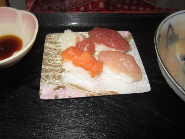 「みんなで昼食会~お寿司バイキング~」_e0191174_205439.jpg