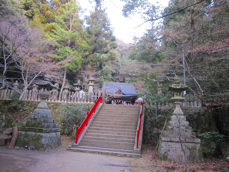 古代歴史を感じさせる【等彌(とみ)神社】_e0237645_11423340.jpg