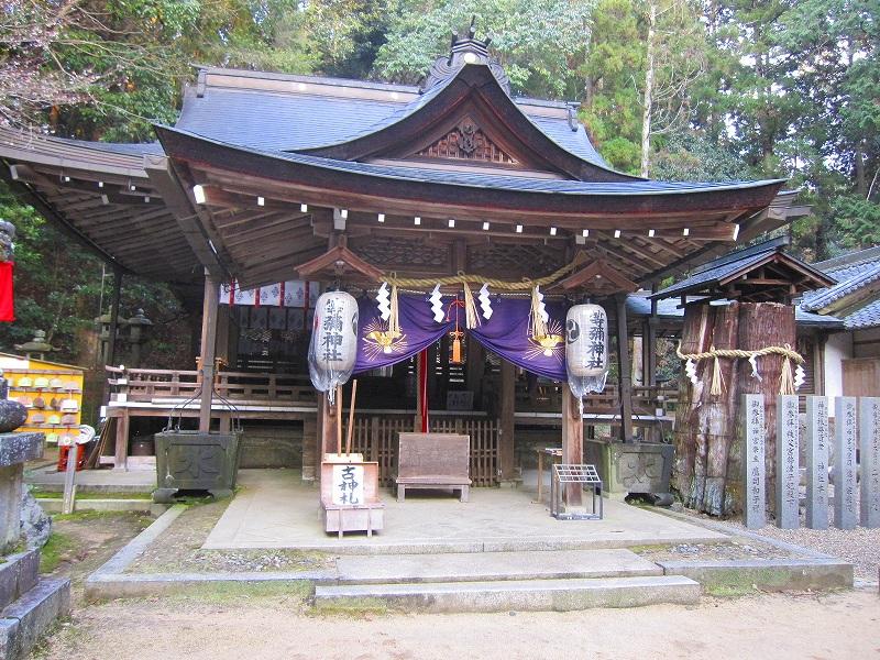 古代歴史を感じさせる【等彌(とみ)神社】_e0237645_1143048.jpg