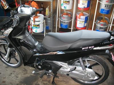 WAVE125にバイクザシートインサイド_e0114857_19541643.jpg