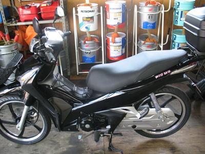 WAVE125にバイクザシートインサイド_e0114857_20115788.jpg