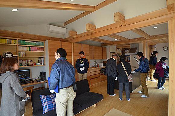 今年最初の見学会「二世帯住宅リノベーション住まい手さん宅見学会」_e0164563_1153497.jpg