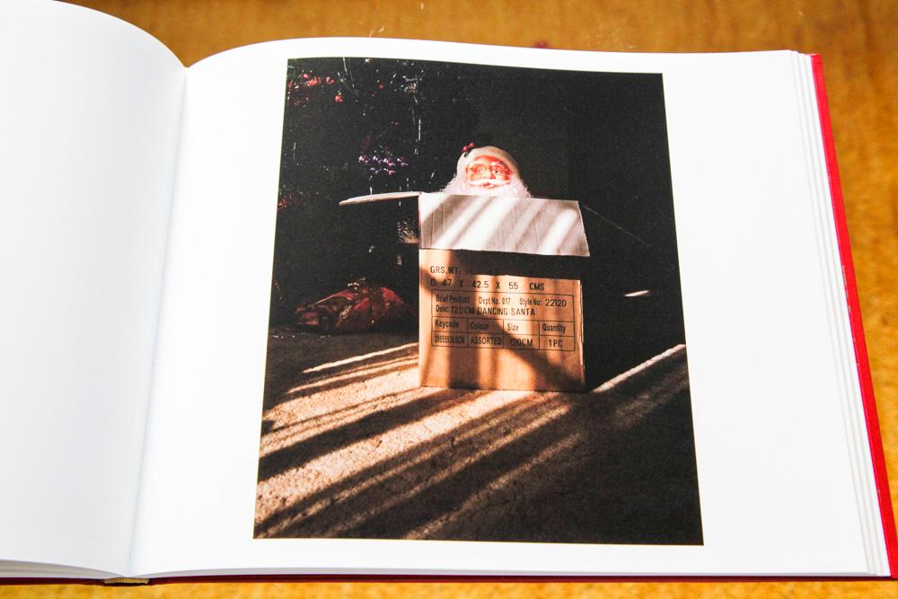 Trent Parke 「The Christmas Tree Bucket」_c0016177_15101318.jpg