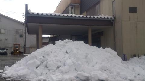 屋根の雪下ろし決行。_d0182179_1717913.jpg