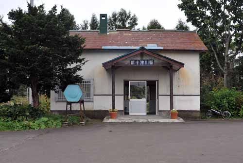 木造駅舎39・新十津川駅の夏と冬_f0173596_10251791.jpg