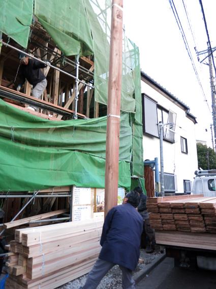 現場の進捗と建材屋さん_a0148909_1015221.jpg