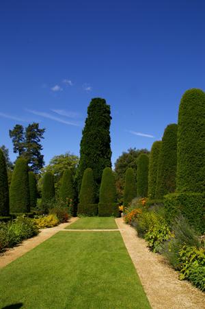 復元ポット2  at Hidcote Manor Garden_d0229351_19225647.jpg