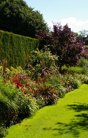 復元ポット2  at Hidcote Manor Garden_d0229351_19233316.jpg