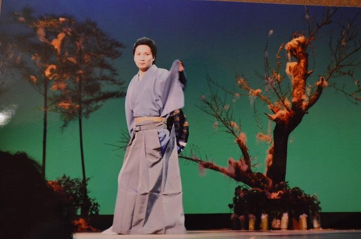 新春歌舞ショー 自分の踊る姿_d0230676_171786.jpg