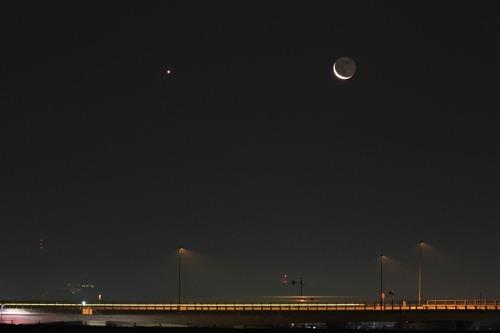 月と金星_e0086798_3485380.jpg