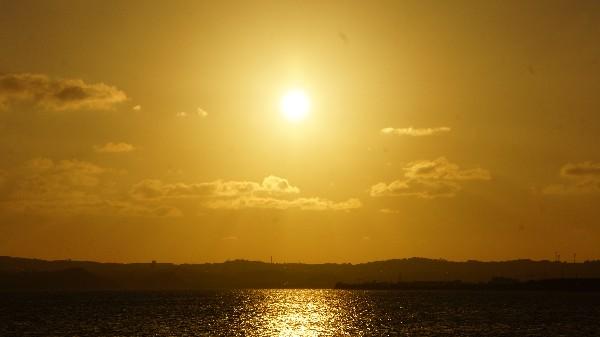 今日の夕日_e0166355_17585205.jpg