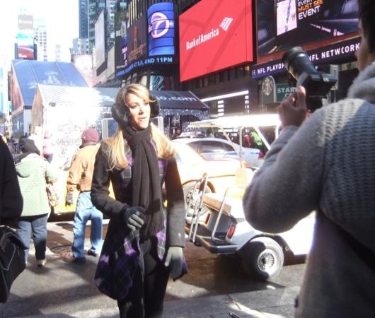 NYのスーパーボウル・ブルーバード、テレビ局の特設スタジオがずらり_b0007805_18493383.jpg