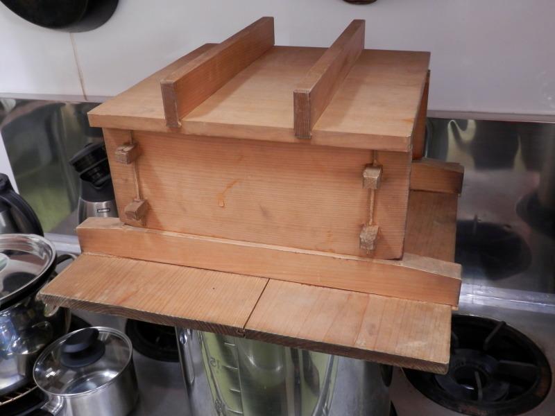香り高い「ヒノキ」の蒸器で作る 有機「玄米餅」作り_a0125419_07104113.jpg