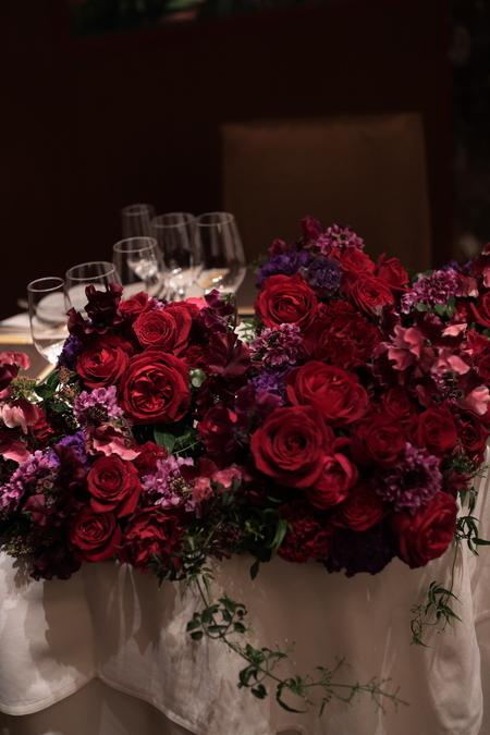 冬の装花 メゾン ポール・ボキューズ様へ 赤バラと白磁_a0042928_5191680.jpg