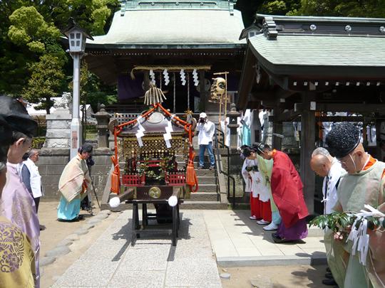 「神社のお祭りだもの、晴れるさね」←実際に晴れてしまう不思議_f0168392_03185648.jpg