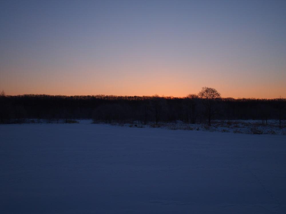 霧氷ツアーの帰りに見た・・筋状の雲から頭を出す日高山脈_f0276498_13492118.jpg