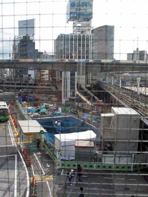 渋谷川暗渠、2度めの移設_c0163001_23555648.jpg
