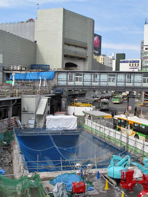 渋谷川暗渠、2度めの移設_c0163001_23583048.jpg