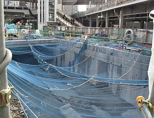 渋谷川暗渠、2度めの移設_c0163001_23592059.jpg