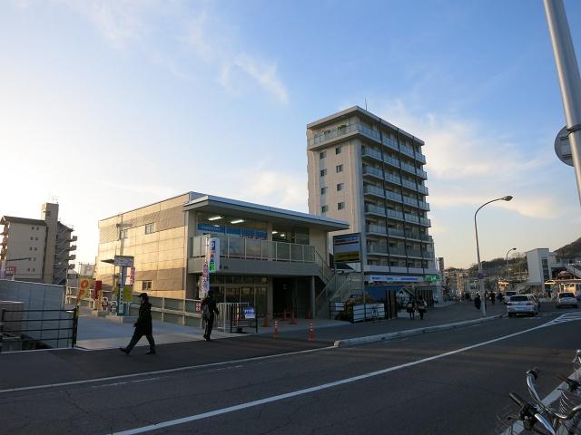 JR海田市駅南口の新テナントビルが完成_b0095061_12281216.jpg