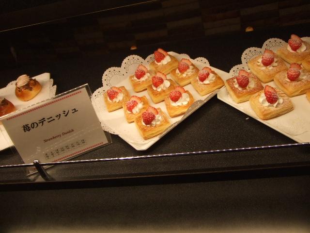 東京ベイ舞浜ホテル ファインテラス ショコラ&ストロベリーデザートビュッフェ_f0076001_2152671.jpg
