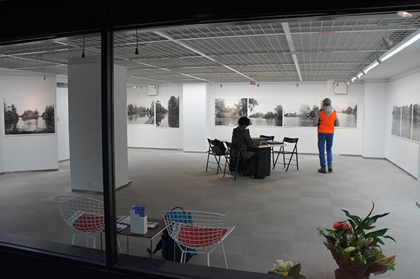 「パリ、ブーローニュの森 Hiro TOBE写真展」が始まりました。_f0171840_15165618.jpg