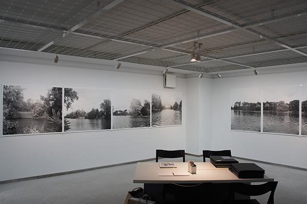 「パリ、ブーローニュの森 Hiro TOBE写真展」が始まりました。_f0171840_1543530.jpg