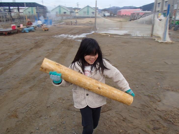 雄勝に東屋用の追加木材採り_e0332549_1420408.jpg