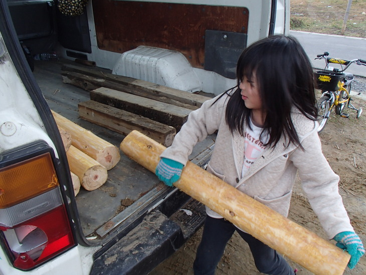雄勝に東屋用の追加木材採り_e0332549_14205658.jpg