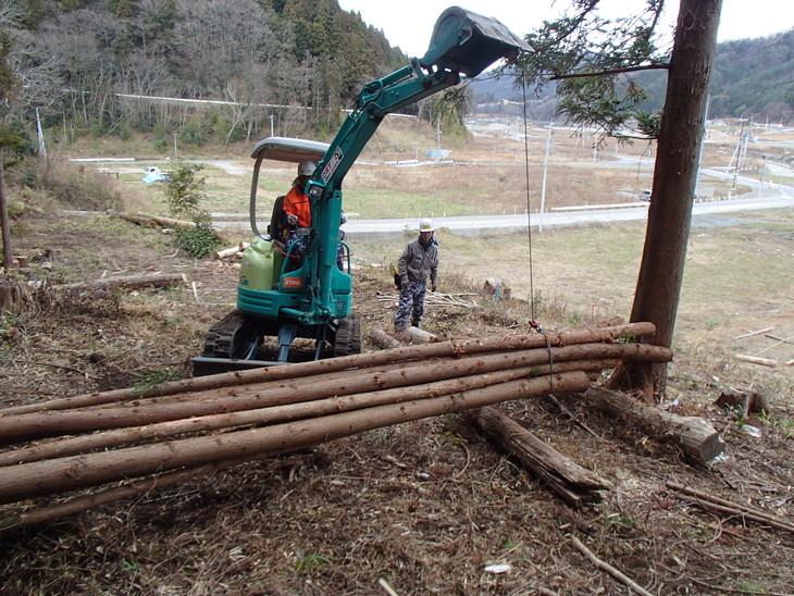 雄勝に東屋用の追加木材採り_e0332549_14221658.jpg