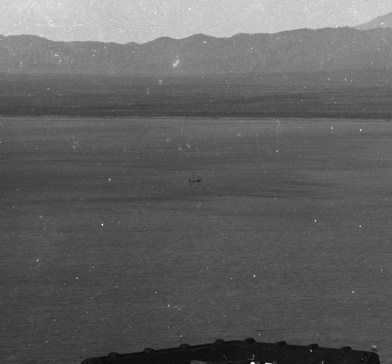 コラムリレー(第9回) 函館港のパノラマ写真-明治25年11月6日写-_f0228071_1453897.jpg