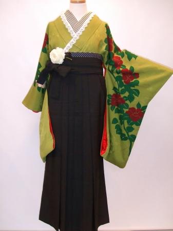 卒業式は個性溢れる袴姿で_b0098077_18495919.jpg
