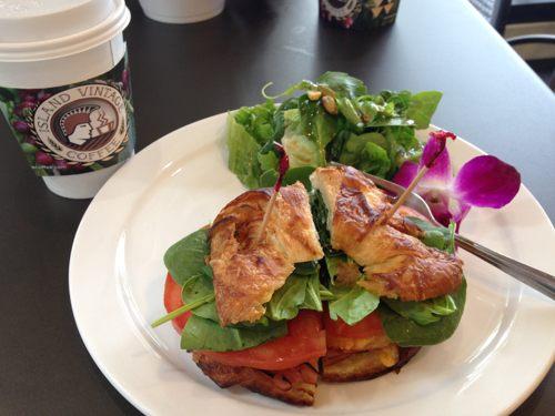 2014年1月 ハワイ女子旅 ② アサイボウル@Island Vintage Coffee_e0271143_18232554.jpg