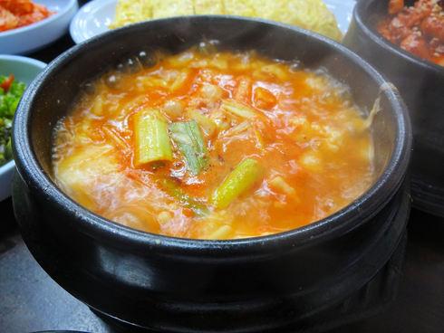 9月 ソウル旅行 その6 清潭洞で家庭的なお味~2PMおススメの「コルモッ食堂」♪_f0054260_8455680.jpg
