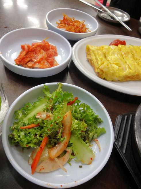 9月 ソウル旅行 その6 清潭洞で家庭的なお味~2PMおススメの「コルモッ食堂」♪_f0054260_8462642.jpg