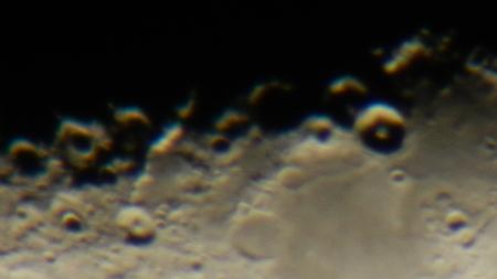 半月の月_e0120896_6421971.jpg