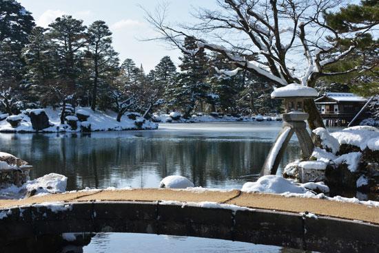 雪の兼六園(1)_c0093046_20435975.jpg