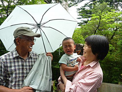 おじいちゃんおばあちゃんと孫_f0258061_17202193.jpg