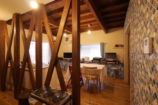 古家リノベーション 大阪/空堀の家/柱及び梁材は、古家のまま。_d0111714_16474448.jpg