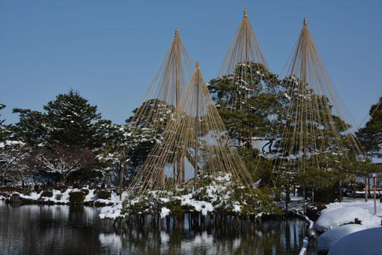 雪の兼六園(2)_c0093046_751779.jpg